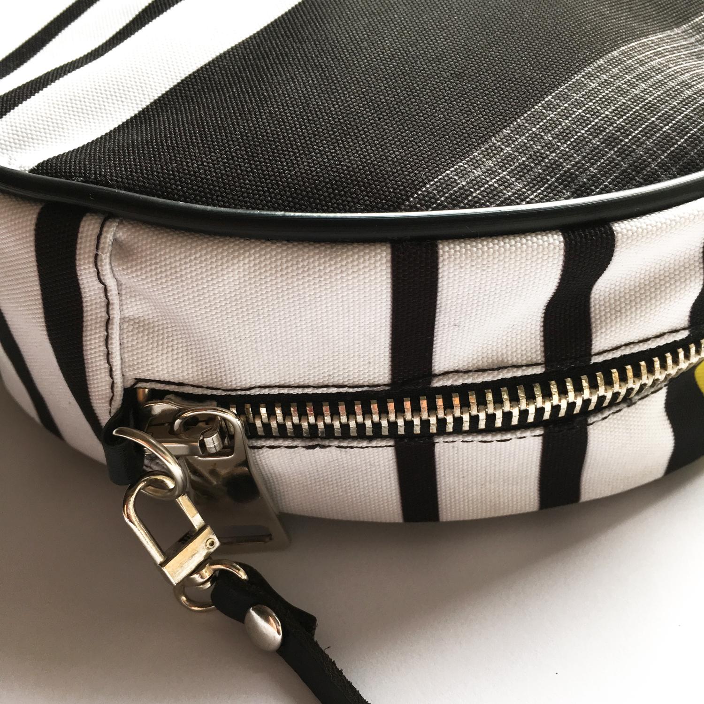 trendy okrugla torba Geometry