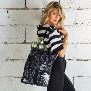 crno bela torba sa kaktusima