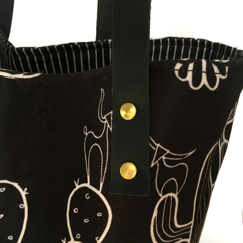 Velika crna torba sa kaktusom kožne ručke