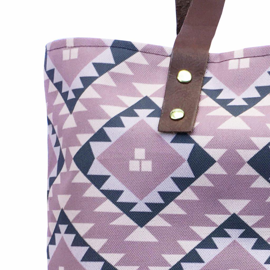 dizajnerska torba sa ornamentom Twiga Pattern Bazaar